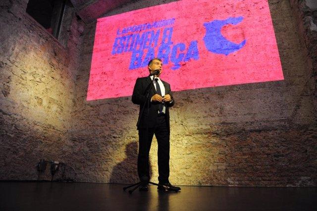 El precandidato a la presidencia del FC Barcelona, el expresidente Joan Laporta, en la inauguración de la sede de 'Estimem el Barça'