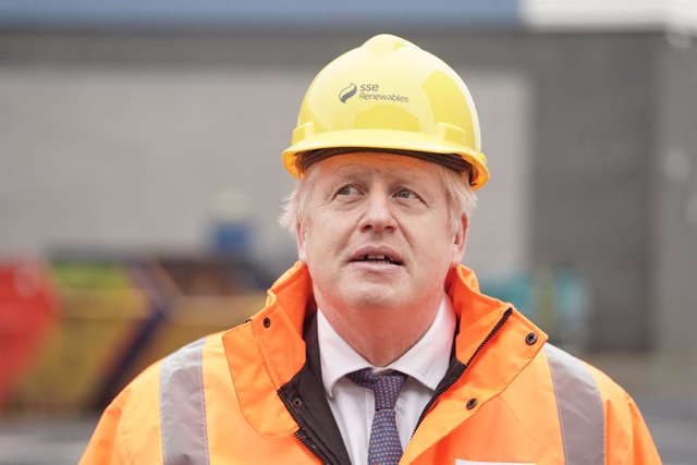 11 December 2020, England, Blyth: UK Prime Minister Boris Johnson visits the National Renewable Energy Centre. Photo: Owen Humphreys/PA Wire/dpa