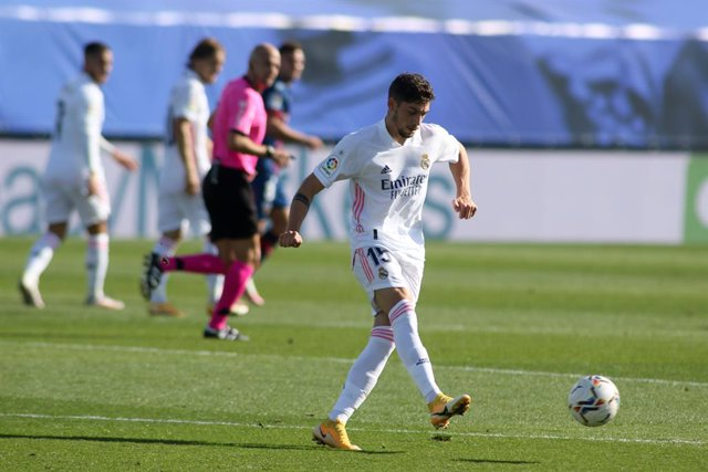 Federico Valverde of Real Madrid in action during the spanish league, La Liga Santander, football match played between Real Madrid and SD Huesca at Alfredo Di Stefano stadium on October 31, 2020, in Valdebebas, Madrid, Spain.