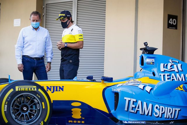 Fernando Alonso con el RS25