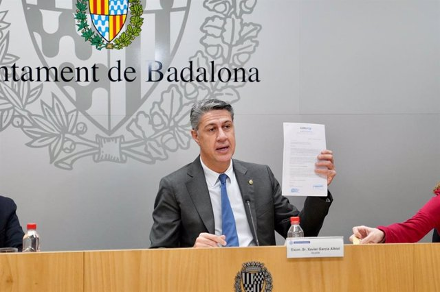 L'alcalde de Badalona, Xavier García Albiol, en una roda de premsa arran de l'incendi en una nau industrial ocupada. Badalona, 11 de desembre del 2020.