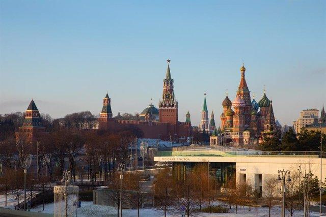 Vista panorámica del Kremlin y la catedral de San Basilio