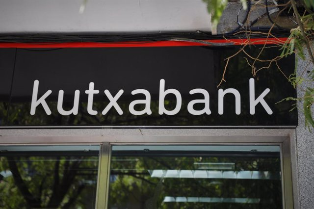 Exterior de una sucursal de Kutxabank