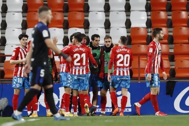 El Lugo derrota a la Ponferradina en el Anxo Carro
