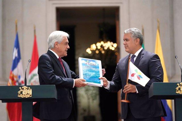 El presidente de Chile, Sebastián Piñera, entrega la presidencia 'pro tempore' de la Alianza del Pacífico al presidente de Colombia, Iván Duque, en Santiago de Chile