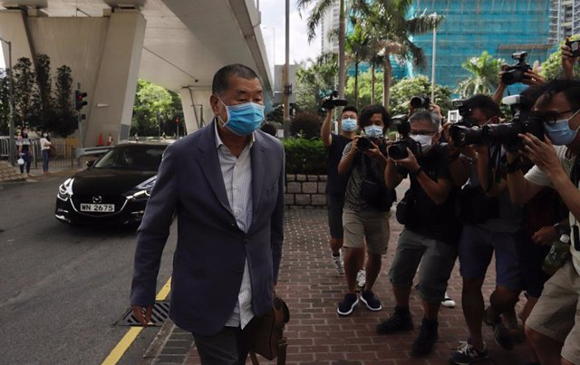 20 August 2020, China, Hong Kong: Hong Kong pro-democracy media tycoon Jimmy Lai walks towards West Kowloon Court Building. Jimmy Lai appeared at West Kowloon Court this morning facing  a criminal threat charge. Photo: Liau Chung-Ren/ZUMA Wire/dpa