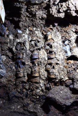 Restos arqueológicos encontrados en Ciudad de México en una imagen cedida por la Secretaría de Cultura mexicana.