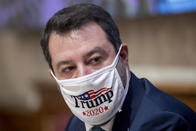 "03 November 2020, Italy, Rome: Matteo Salvini, Federal Secretary of Italian right-wing party Lega Nord, wearing a face mask reading ""Trump 2020"", attends a press conference held to present his party's proposals on dealing the the coronavirus pandemic. Pho"