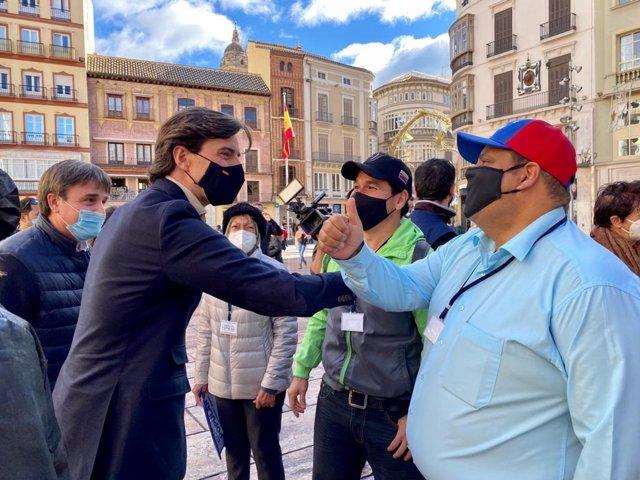 Pablo Montesinos, vicesecretario de Comunicación del PP y diputado por Málaga, en la manifestación convocada por la Asamblea Nacional de Venezuela en defensa de la libertad del país