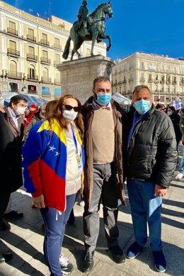 El PP de Madrid se une a la campaña 'Venezuela alza la voz contra Maduro'.