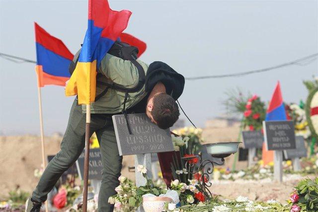 Víctima del conflicto de Nagorno Karabaj
