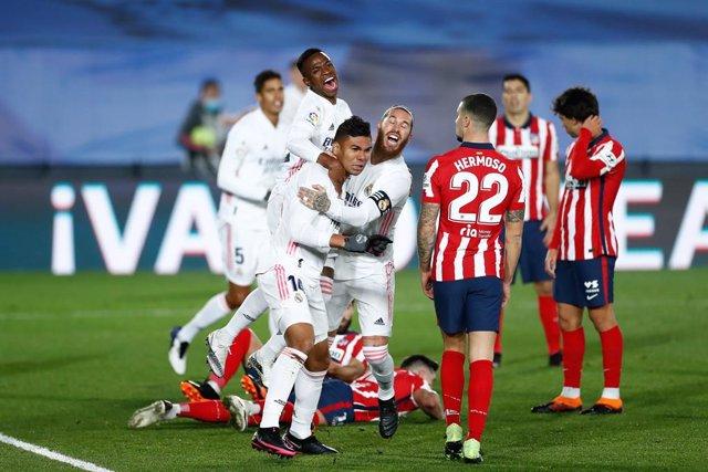 Carlos Henrique Casemiro celebra el 1-0 del Real Madrid en el derbi ante el Atlético
