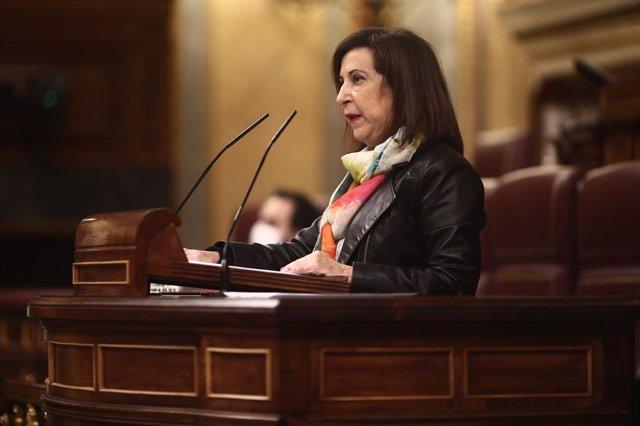 La ministra de Defensa, Margarita Robles, intervé durant una sessió plenària a la cambra baixa.