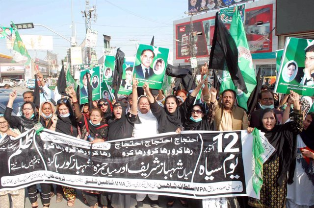 Simpatizantes del exprimer ministro de Pakistán Nawaz Sharif
