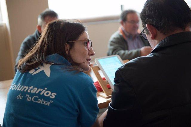 L'Associació de Voluntaris de 'La Caixa' ha llançat un programa de tallers per promoure la digitalització de les entitats del tercer sector.