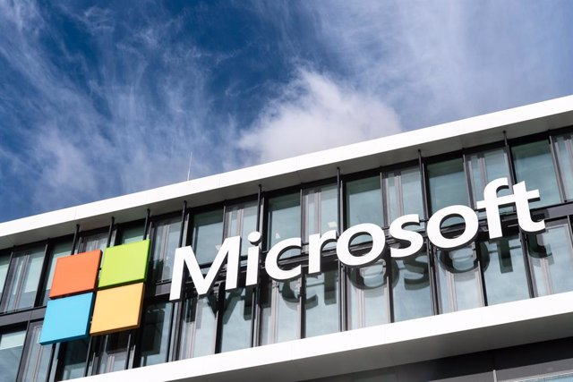 FILED - 06 March 2017, Munich: The Microsoft logo can be seen on the facade of the Microsoft-Germany headquarters. Microsoft and partners from 35 countries have succeeded in disrupting the world's most dangerous botnet, Necurs, which the company says had