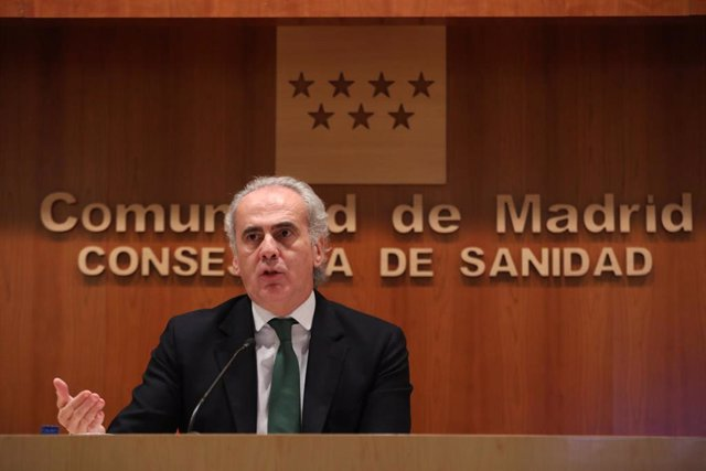 El consejero de Sanidad de la Comunidad de Madrid, Enrique Ruiz Escudero, hace balance de la situación epidemiológica y asistencia en la Comunidad de Madrid, en Madrid (España), a 27 de noviembre de 2020.