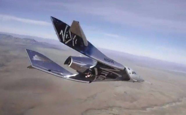 VSS Unity en descenso tras el fallo de su motor de cohete