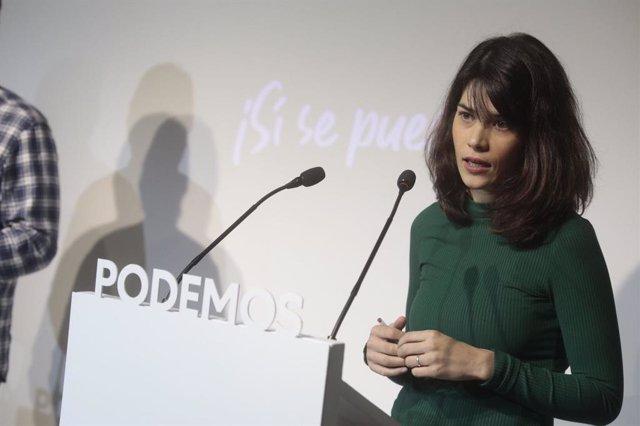 La portavoz de Unidas Podemos, Isa Serra, en rueda de prensa para valorar la actualidad política.