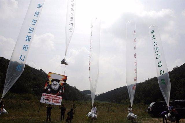 Lanzamiento de propaganda en la frontera entre las dos Coreas