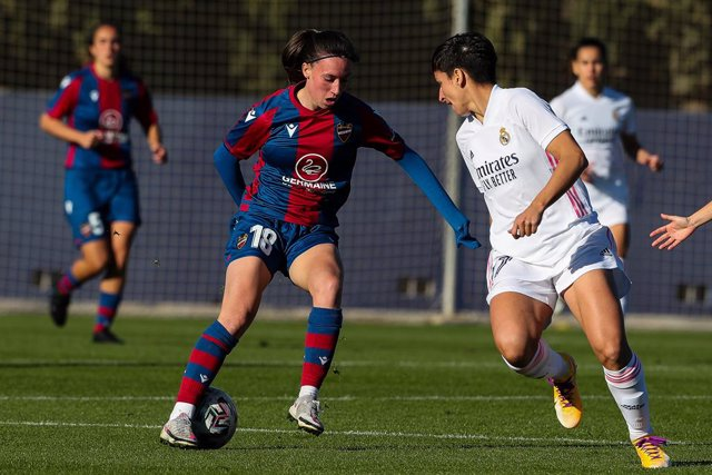 Eva Navarro,of Levante UD in action during the spanish women league, Liga Iberdrola, football match played between Levante UD Vs Real Madrid Femenino at Ciudad Deportiva Levante UD, Bunyol, Valencia. On December 9, 2020. Spain