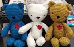 Carrefour y Famosa presentan 'TEAtrapo' la nueva colección de peluches solidarios destinada a la detección precoz del autismo en bebés