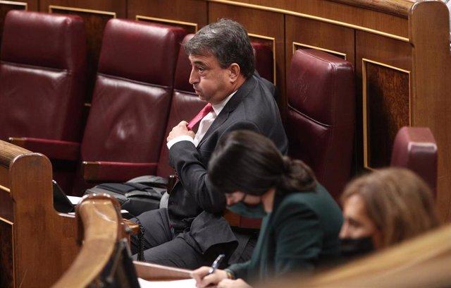 El portavoz del PNV en el Congreso de los Diputados, Aitor Esteban, durante una sesión plenaria en el Congreso