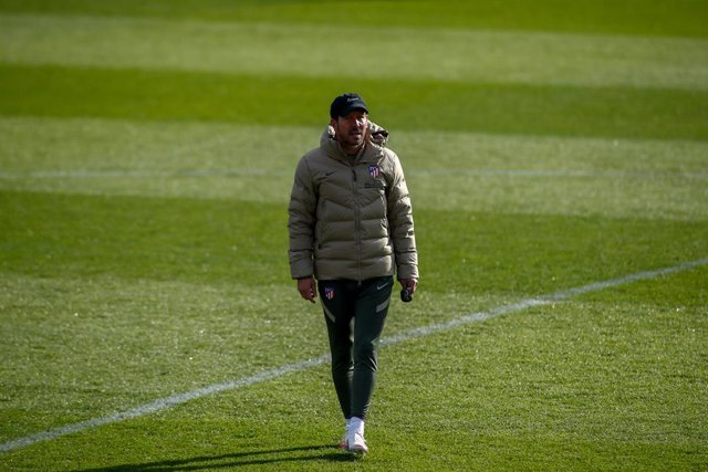 Diego Pablo Simeone, head coach of Atletico de Madrid, looks on during the Atletico de Madrid training session for the UEFA Champions League football match to play against Lokomotiv of Moscow at Ciudad Deportiva Wanda Atletico de Madrid on November 24, 20