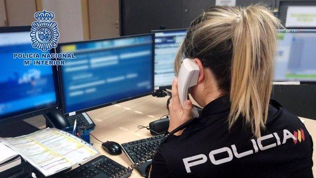 """Nota De Prensa Y Fotografía: """"La Policía Nacional Arresta A Una Persona Que Logró Estafar Más De 9.500 Euros En Compraventas Fraudulentas Por Internet """""""