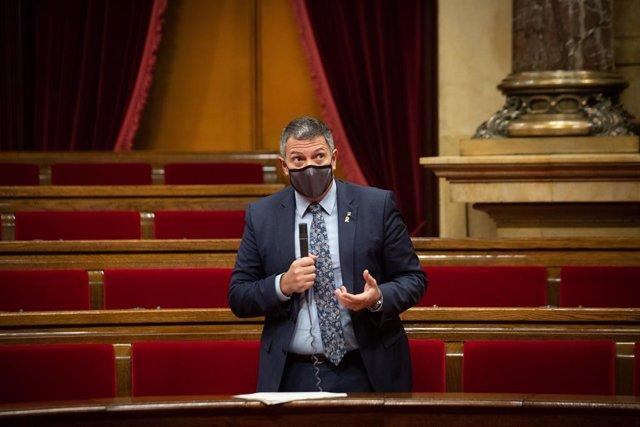 El conseller d'Interior, Miquel Sàmper, en l'última sessió de control del Govern de la legislatura.