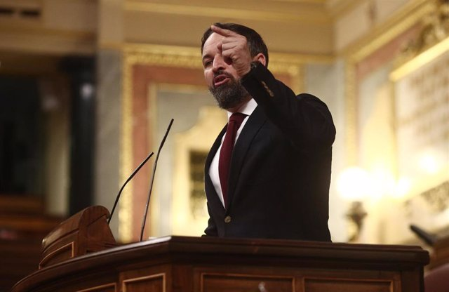 El presidente de VOX, Santiago Abascal interviene durante una sesión de control al Gobierno, en Madrid (España), a 16 de diciembre de 2020. Durante el pleno, el presidente del Gobierno ha hecho un primer balance del segundo estado de alarma decretado el p
