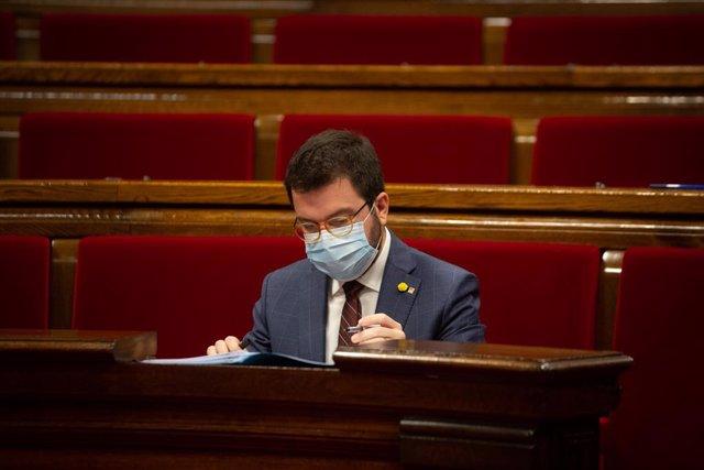 El vicepresident de la Generalitat, Pere Aragonès, durant una sessió plenària al Parlament de Catalunya. Barcelona, Catalunya, 16 de desembre del 2020.