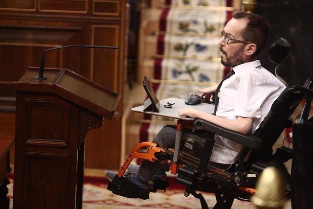 El portavoz parlamentario de Unidas Podemos, Pablo Echenique interviene durante una sesión de control al Gobierno, en Madrid (España), a 16 de diciembre de 2020.