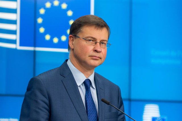 HANDOUT - 01 December 2020, Belgium, ·Brussels: European Commission Vice-President Valdis Dombrovskis gives a press conference at the end of a Economic and Financial Affairs Council (ECOFIN) meeting. Photo: -/European Council/dpa - ATTENTION: editorial us