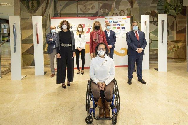 Teresa Perales, Irene Lozano, la Infanta Elena, Miguel Carballeda, Miguel Sagarra, Almudena Rivera y César Carlavilla en el acto de celebración de 25 aniversario del Comité Paralímpico Español