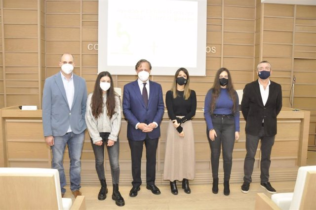 1-José Tubío, María Crugeiras, Carlos Lamora, Paloma Sosa, Esther Calviño Y José Martínez Costas