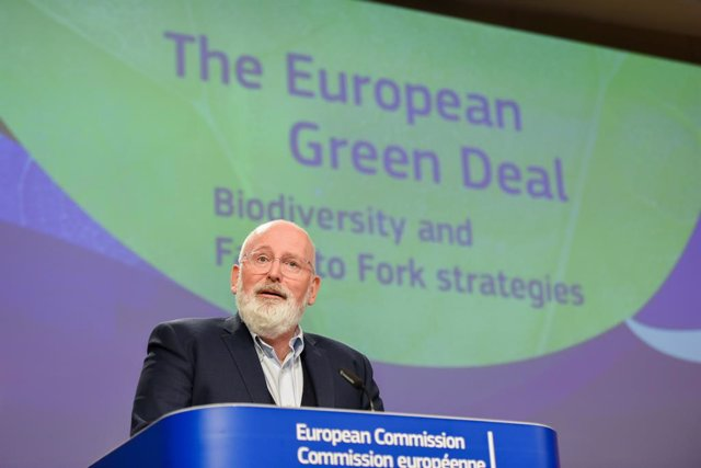 HANDOUT - 20 May 2020, Belgium, Brussels: European Commission Vice President Frans Timmermans attends a press conference on The European Green Deal Biodiversity and Farm to Fork Strategies at EU headquarters in Brussels. Photo: Jennifer Jacquemart/Europea