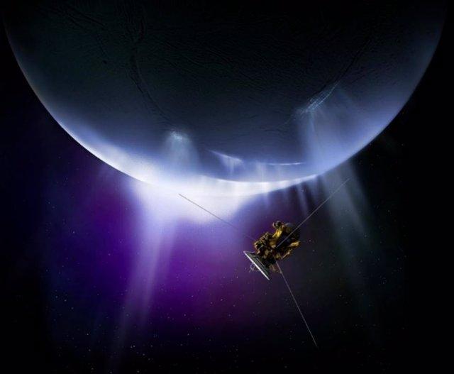 Ilustración de la nave Cassini analizando las plumas de Encélado