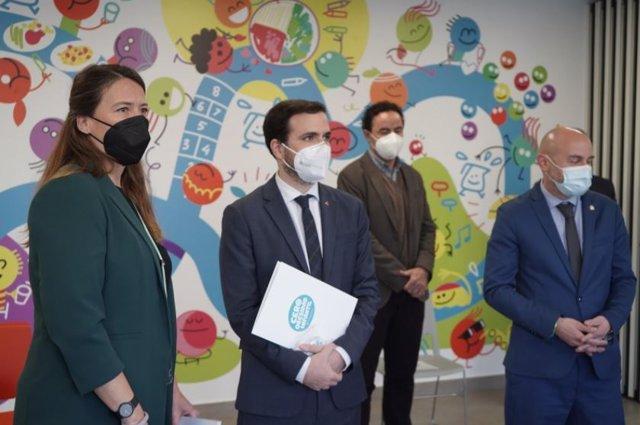 El ministro de Consumo, Alberto Garzón, se reúne con la Gasol Foundation para colaborar en la lucha contra la obesidad infantil