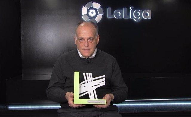 Fundación LaLiga recibe el premio al Evento Solidario de 2019 de la Fundación Cruz Blanca