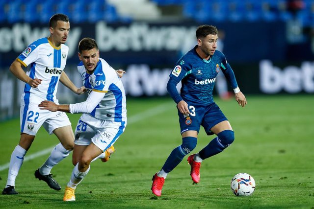 Adrian Embarba of Espanyol in action during the spanish second league, Liga SmartBank, football match played between CD Leganes and RCD Espanyol de Barcelona at Butarque stadium on november 26, 2020, in Leganes, Madrid, Spain