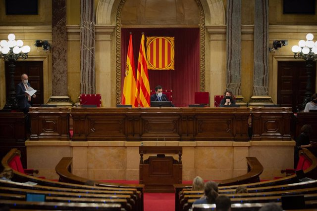 El president del Parlament, Roger Torrent, en una sessió plenària al Parlament. Barcelona, Catalunya (Espanya), 15 de desembre del 2020.