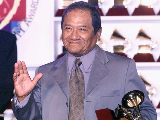 Armando Manzanero en los Latin Grammy Awards de 2001.