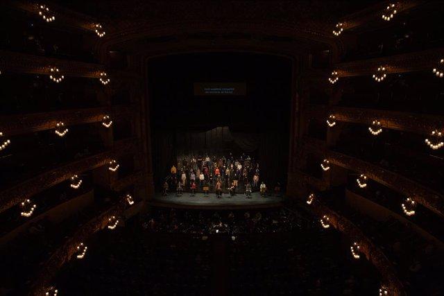 Assaig de La Traviata amb solistes, cor del Liceu i piano. Barcelona, Catalunya (Espanya), 24 de novembre del 2020