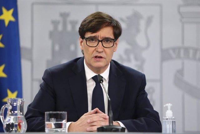 El ministro de Sanidad, Salvador Illa, ofrece una rueda de prensa desde la Secretaría de Estado de Comunicación, en Madrid (España), a 18 de 2020. La comparecencia del ministro se produce a menos de una semana para la celebración de Navidad y al tiempo qu