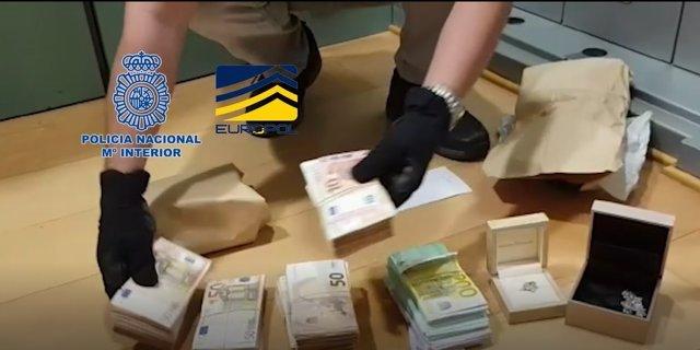 Agentes de la Policía Nacional detienen a 23 personas en una operación contra una red presuntamente dedicada al Blanqueo de dinero de mafias de origen ruso.