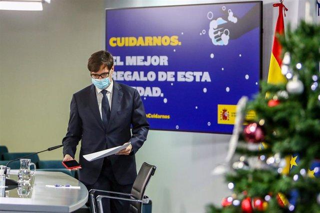 El ministro de Sanidad, Salvador Illa, ofrece una rueda de prensa desde la Secretaría de Estado de Comunicación, en Madrid (España), a 18 de 2020.