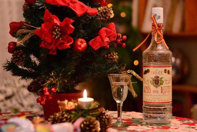 Luces, mercadillos navideños, mantecados, belenes y zambobas, algunos de los atractivos de Andalucía en Navidad.