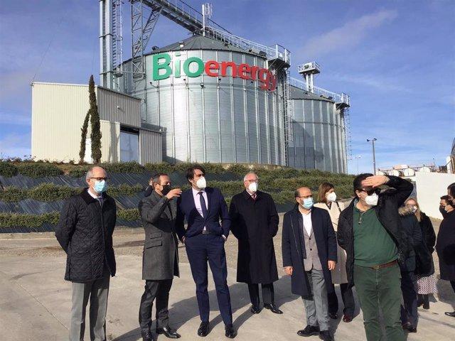 Visita de Suárez-Quiñones a las instalaciones de Bioenergy Barbero en Las Torres (Salamanca).