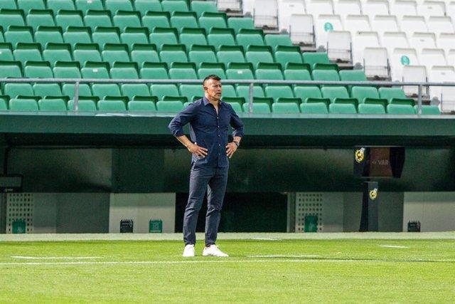 Jorge Almiron, head coach of Elche, during LaLiga, football match played between Real Betis Balompie and Elche Club Futbol at Benito Villamarin Stadium on November 1, 2020 in Sevilla, Spain.